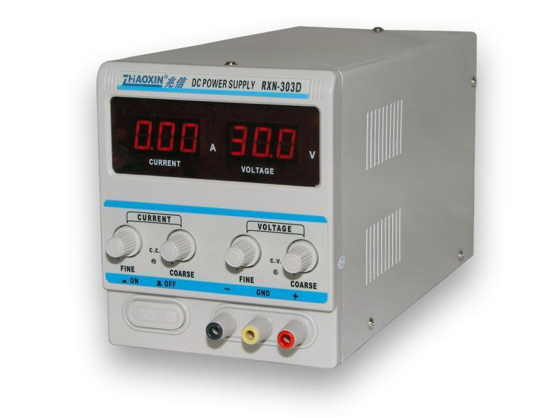 Laboratórny zdroj RXN-303D 0-30V/3A