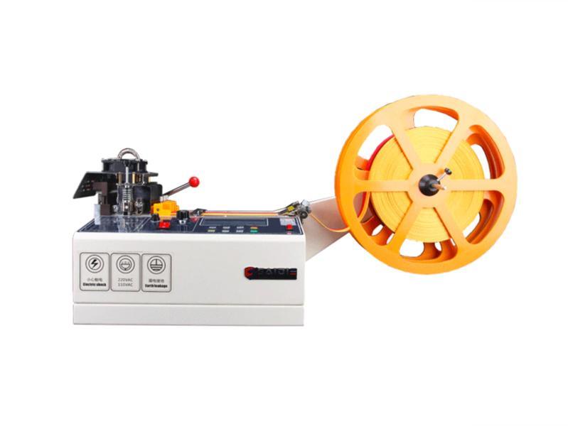 Automatická rezačka / delička popruhov, textilných pások, suchých zipsov a lán 988T