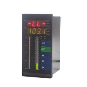Kontrolór hladiny kvapaliny s dvomi vstupmi pre hydrostatické senzory