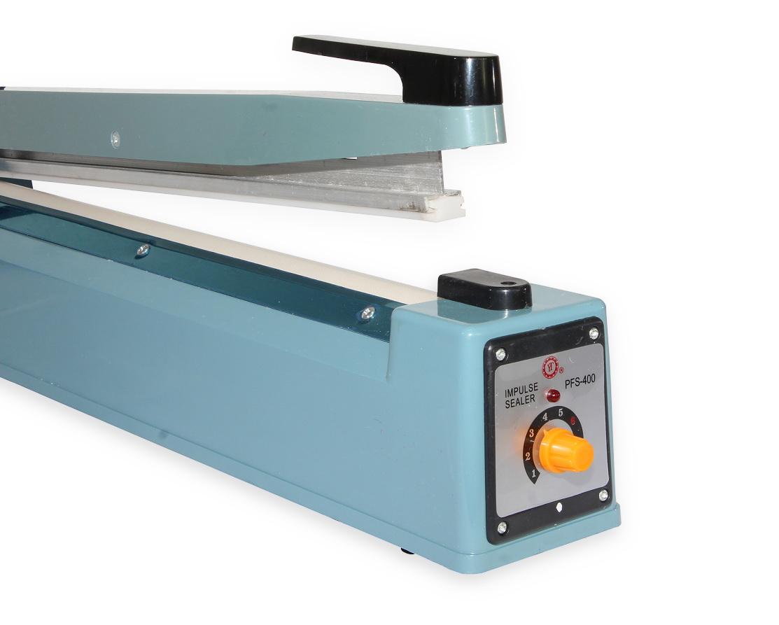 Impulzná zváračka fólií, sáčkov a obalov PFS-400 so šírkou zváracej lišty 400 mm