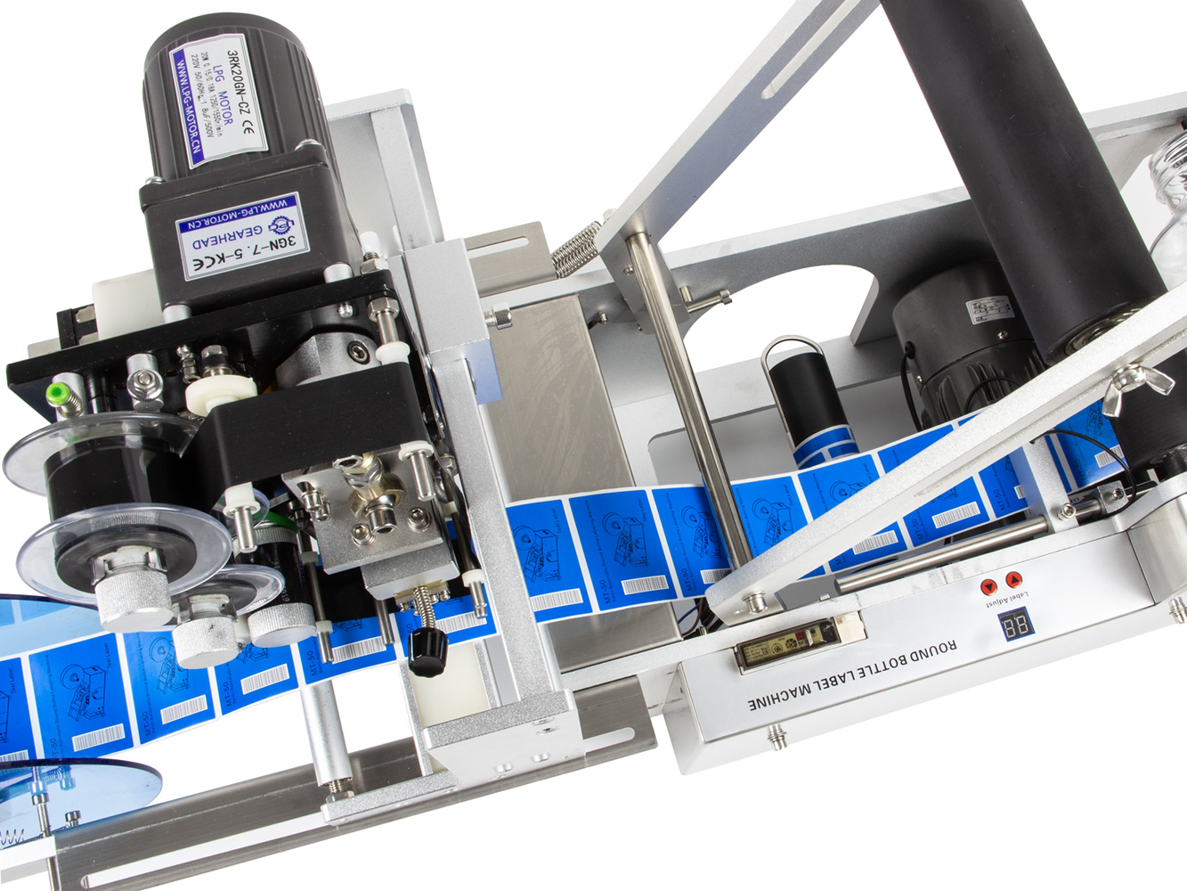 Poloautomatická etiketovačka LT-50D na fľaše, dózy a plechovky s integrovanou tlačiarňou expirácií